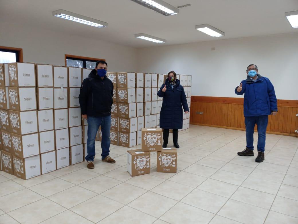 Municipalidad de Loncoche recibe cajas de alimentos para 536 familias.