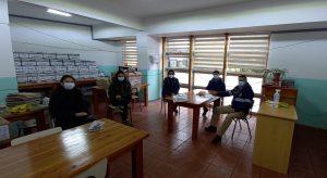 SENDA Previene saluda a la Directora de la Escuela Domitila Pinna Parra.